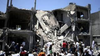Local bombardeado nos arredores de Trípoli