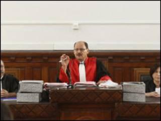 قاضي تحامي الحافي