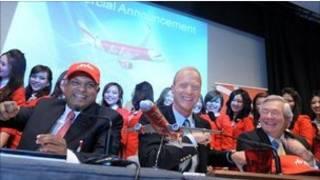 空客總裁與亞洲航空總裁等慶祝合作