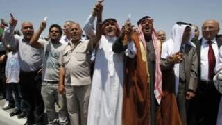 متظاهرون في عمان