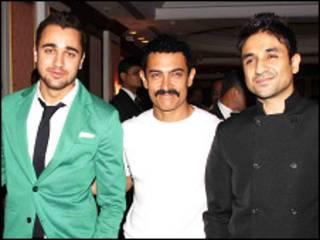 इमरान ख़ान अपने मामा आमिर ख़ान और अभिनेता वीर दास के साथ