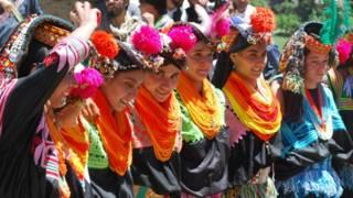 کالاشی های پاکستان، جوشی یا همان جشن بهارانه خود را با  رقص و شراب برگزار میکنند