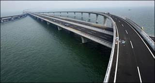 दुनिया का सबसे लंबा पुल - चीन में