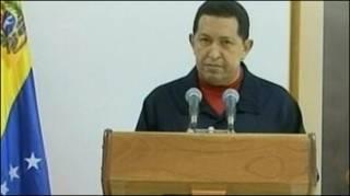 Ông Chavez xuất hiện trên truyền hình