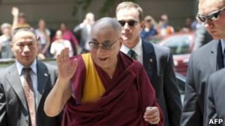 西藏流亡精神領袖達賴喇嘛周二抵達美國首都華盛頓(05/07/2011)
