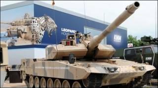 जर्मनी का लियोपार्ड द्वितीय युद्धक टैंक