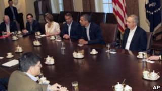 Obama discute o impasse do endividamento com congressistas, em 10 de julho (AP)