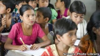 مدرسه ای در بنگلادش، عکس از آرشیو