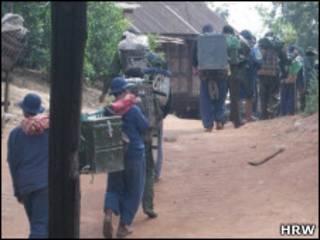 တိုင်းရင်းသားဒေသ တိုက်ပွဲတွေအတွင်း ပေါ်တာ ဆွဲမှုတွေရှိကြောင်း ရေးထား