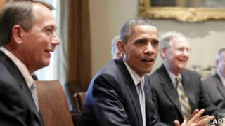 Обама в Белом доме обсуждает бюджет с конгрессменами