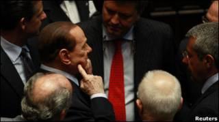 Прем'єр Сильвіо Берлусконі під час дебатів у парламенті