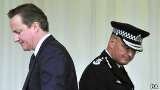 Cameron e Stephenson em foto de outubro de 2010