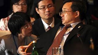 Thứ trưởng Ngoại giao TQ Lưu Chấn Dân trả lời phóng viên tại Bali hồi tháng Bảy 2011.