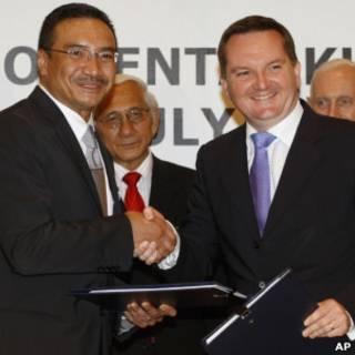 馬來西亞內政部長和澳大利亞移民部長7月25日簽署協議後