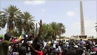 مغنِّي الراب السنغالي البارز عمر توري، المعروف شعبيا باسم ثيات
