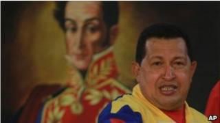 چاوز در برابر پرتره ای از بولیوار