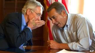 Сенатор-демократ Гарри Рид (на фото слева) и спикер палаты представителей, республиканец Джон Бейнер