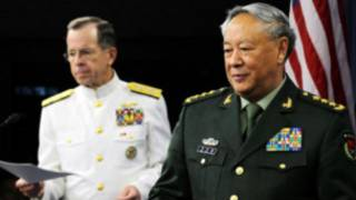 Đô đốc Mike Mullen và Tướng Trần Bỉnh Đức tại Bắc Kinh