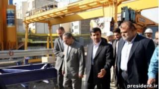 محمود احمدی نژاد و رستم قاسمی فرمانده قرارگاه خاتم الانبیا