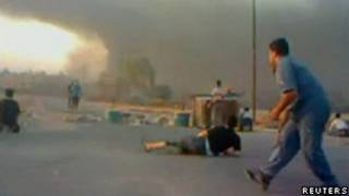 Confrontos e disparos na cidade de Hama neste domingo (Reuters)