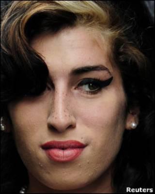 艾米2009年7月23日在伦敦西敏寺法庭