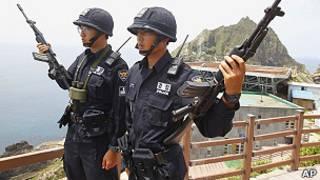 جنود من كوريا الجنوبية في إحدى الجزر