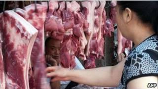 Mua thịt ngoài chợ ở Trung Quốc