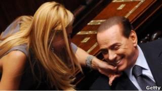 Сильвио Берлускони с депутатом итальянского парламента