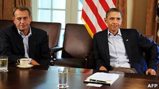 El presidente Barack Obama (dcha.) y el presidente de la Cámara de Representantes de EE.UU., John Boehner