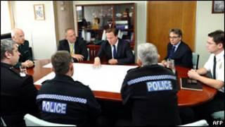 Дэвид Кэмерон на встрече с полицейскими