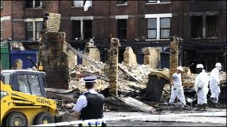 ब्रिटेन में दंगे और लूटमार