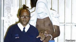 فرد متهم به دست داشتن در آشوبهای انگلستان در دادگاه حاضر می شود