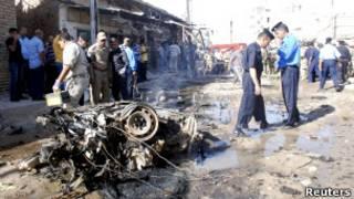 Restos de carro bomba usado em ataque em Kut