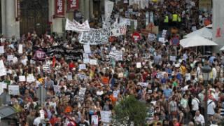 Biểu tình chống chuyến thăm của Đức Giáo hoàng ở Madrid