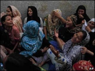 کراچی میں تشدد کا شکار ہونے والوں کے لواحقین