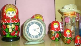 Objetos russos em casa de Havana. BBC