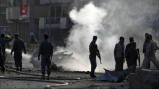 Lính Anh và Afghanistan tại hiện trường vụ tấn công