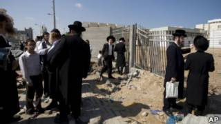 یک مرکز مذهبی در اشدود که هدف راکت قرار گرفته