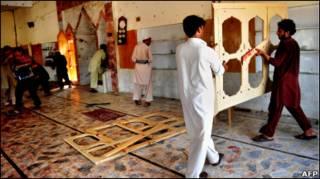 Як розповідають очевидці, у мечеті навіть обвалився дах