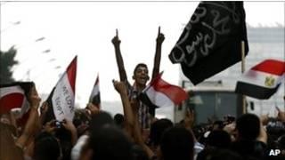 以色列駐開羅大使館外憤怒的示威者