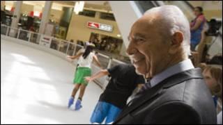 President Shimon Peres u bumanuko bwa Israel