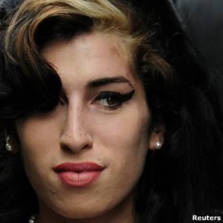 A cantora Amy Winehouse