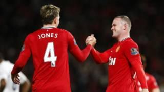 Wayne Rooney da Phil Jones