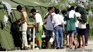 Pencari suaka di kamp Nauru