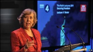 إليزا مانينهام ـ بولر الرئيسة السابقة للاستخبارات الداخلية البريطانية