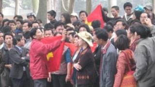 Hàng trăm người đã biểu tình ôn hòa ở Hà Nội và TP HCM hôm chủ nhật (9.12)
