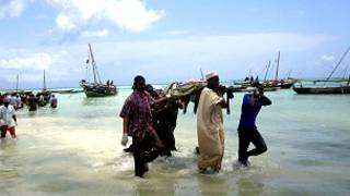 Miili ya watu walioangamia baada ya feriu kuzama Zanzibar