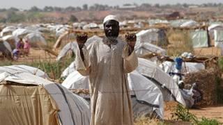 لاجئ من دارفور