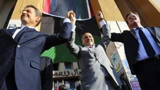 डेविड कैमरून और फ्रांस के राष्ट्रपति निकोलस सार्कोज़ी