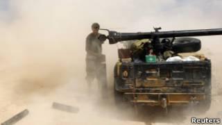Lực lượng nổi dậy tấn công Sirte